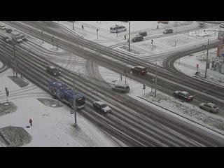 Посмотрите, как занесло автомобиль на Московской в Бресте
