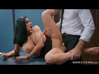 Audrey Bitoni -Brazzers - Emergency Dick Distraction