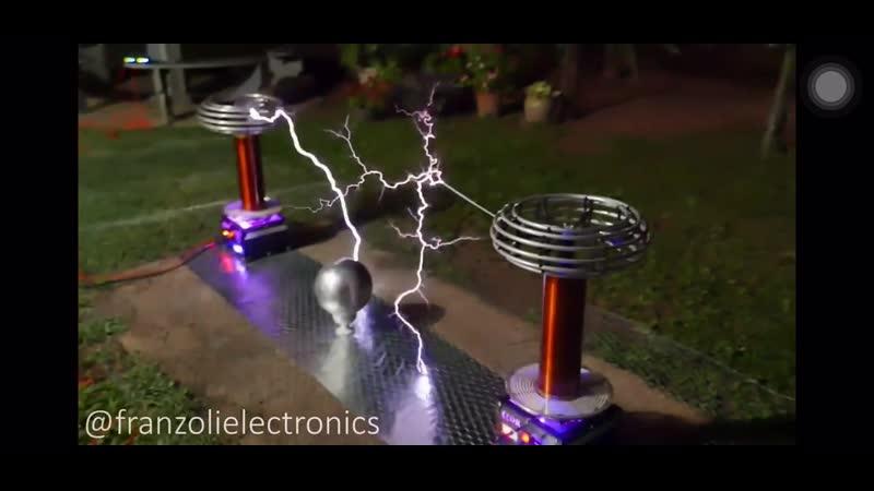 Tesla coil Rick roll