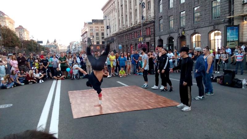 Вуличні танці Київ, Хрещатик