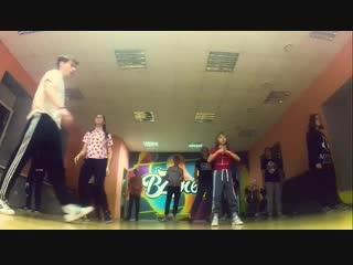 Priamikom iz Alexa Hip Hop basic - Dancehall choreo by Juli Prima