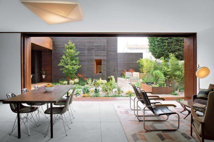 A house by Sebastian Mariscal Venice,