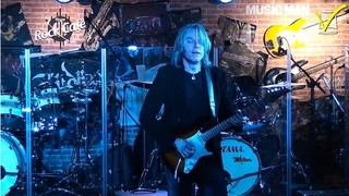 Andy Timmons live at Mogar Rock Cafè - Music Italy Show 2010 | Special Video - MusicOff