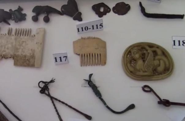 Археологи из Азовского музея-заповедника в Ростовской области нашли косметический набор золотоордынского Азака