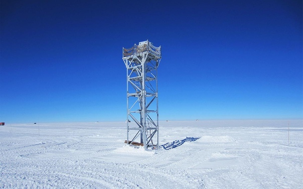 На фотографии  лучшее место для наблюдения за звездами на Земле.