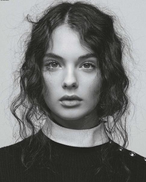 Дева Кассель для Elle, Ноябрь 2020
