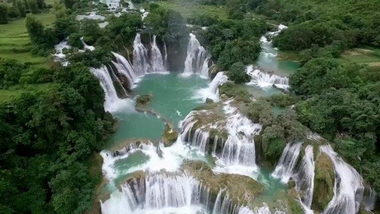 Интересные места нашей планеты Водопад Дэтянь (Вьетнам), изображение №2