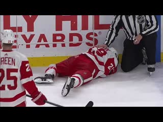 Brendan perlini takes a skate to the face, leaves ice bleeding