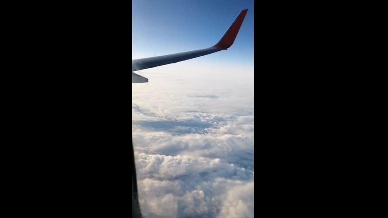 Снижение на посадку в Красноярск в аэропорт Емельяново терминал 1 новый на самолёте авиакомпания аэрофлот российские авиалинии б