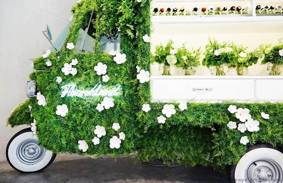 Fantastic Pop-Up Flower Shop by Azuma Makoto,