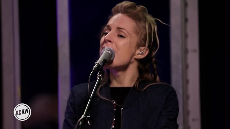 Агнес Обель live высткпление ☯ Agnes Obel performing Familiar Live on KCRW