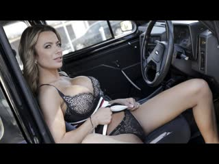 [FemaleFakeTaxi / FakeHub] Shalina Devine [brazzers, жмж, мжм, порно, секс, milf, минет, сестра, домашнее, сосет, русское]