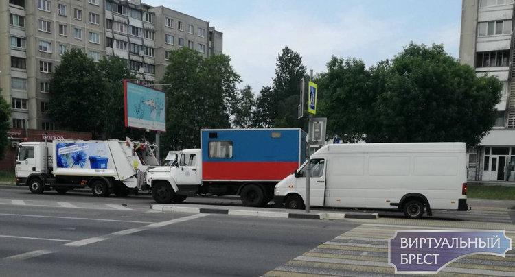 На Пионерской из-за ДТП значительно затруднено движение в сторону Берёзовки