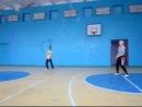 Дима Богдан Саша Света играют в волейбол