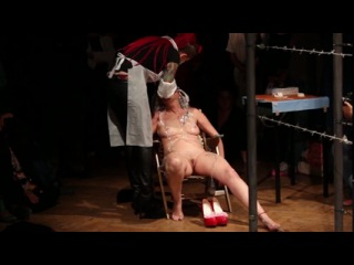 Performance nude Naked on