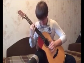 16-ти летний парень играет Нирвану в оригинальной аранжировке