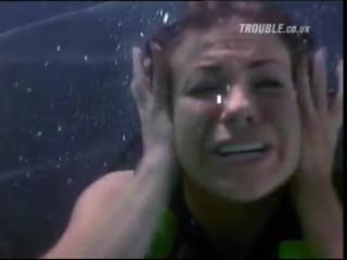 Carmen Electra in trouble underwater - scuba diving
