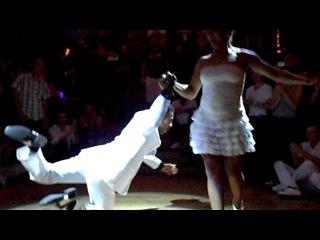 Démonstration de son par Madeline Rodriguez et Mario Charon Alvarez lors de la Noche Azucarada