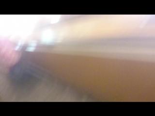 чувак в метро спб(в центре города) мой корешь) Убегая от ментов просто скатился в низ))) (я конечно не стал)