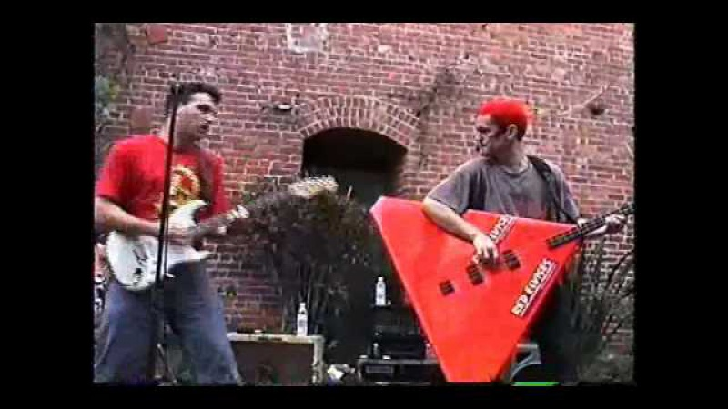 Red Elvises - I Wanna See You Belly Dance (1999)