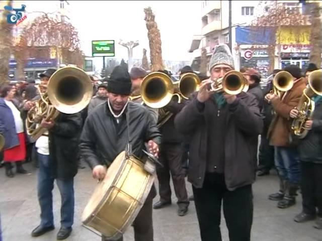 Fanfara de la Valea Mare la Festivalul de Datini si Obiceiuri de iarna Vaslui