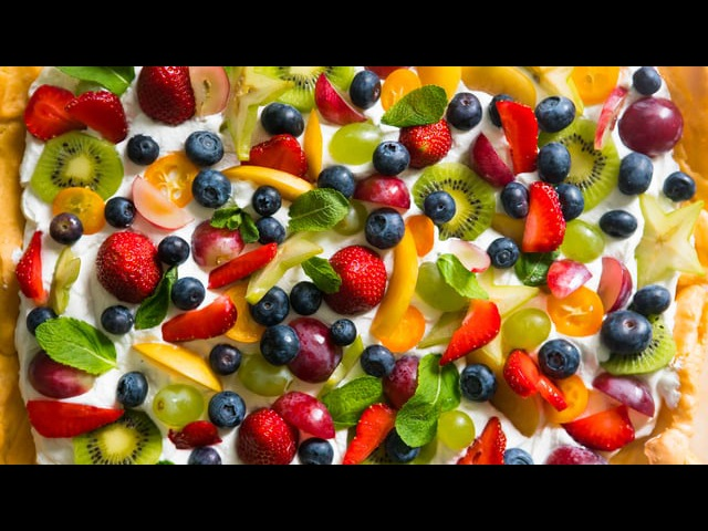 Готовим пирог с фруктами в компактной духовке Pyramida F 42 45