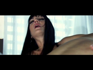 Рабы ублажают зрелую начальницу / Рядовой Сара Твен (Взрослые и зрелые женщины за 40, Начальник, Доминирование, порно, секс)