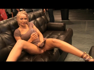 Staci Carr (Olivia King) - Super Gorgeous - 01. Getting Dirty01