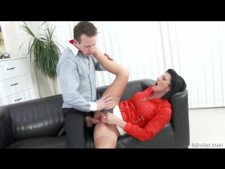 Young assistant gets covered by piss (celine noiret)