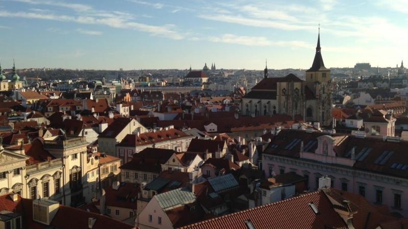 Прага вид на город с Астрономической Башни Клементинум