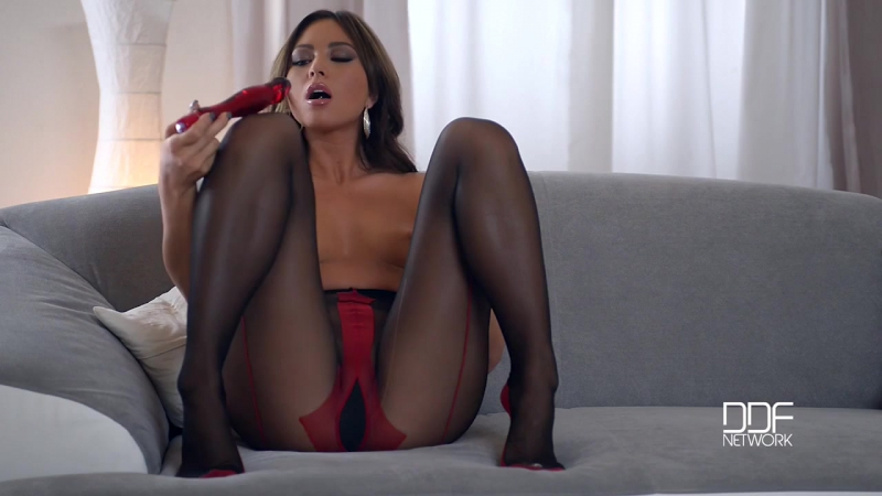 Sexy cub with perfect legs and feet, Porno, porn, feet, footfetish, solo, cute, toys, sex, red,