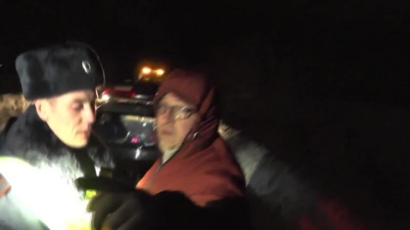 Неадекватный муж водительницы сломал видеокамеру