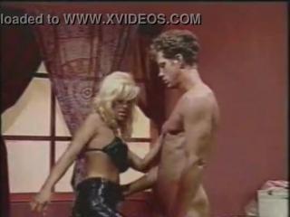 Jill Kelly - Fucks A Guy With A Dildo