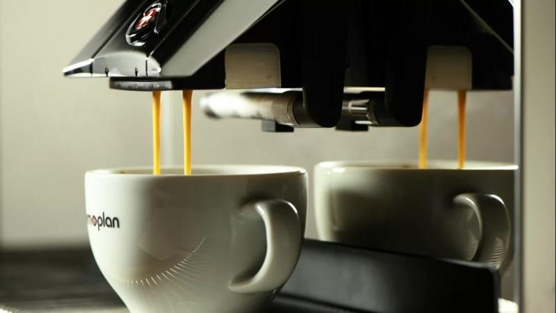 Приготовление латте кофемашиной Thermoplan