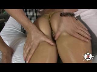 Carla Cruz - Masajito al culito mas rico