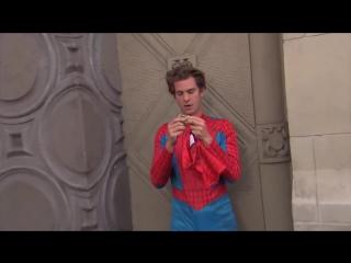 Эндрю Гарфилд в костюме Человека-Паука