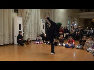 G-UNIT DANCE FAMILY   GORILLA BATTLE 2017   WELL DEE, судейский выход