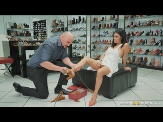 Monica asis (if the shoe fits) [2017, latina,natural tits,swallow,wife,work fantasies, 1080p]