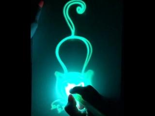 #РисуемСветом кошку🐈Рисовать светом очень просто!🌟 почувствуй себя волшебником🌟 интересно и ребёнку и родителям🌟 для многокр