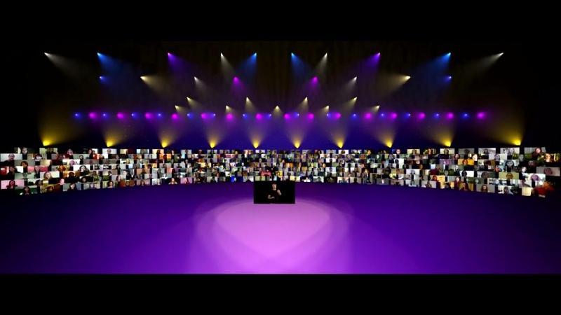 Lux Aurumque. 185 хористов из 12 стран, находясь каждый у себя дома, поют под виртуальным управлением дирижера