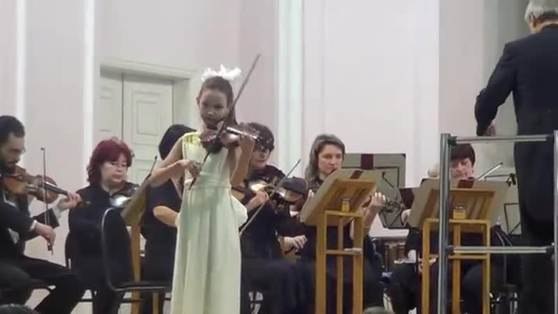 Дети играют с оркестром Евсюкова Кристина 2014 год