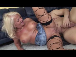Dirty_old_grandma_loves_pee_720p