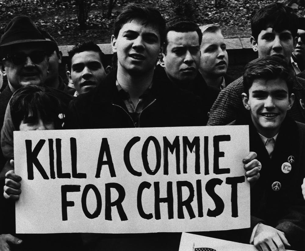 """США:Демонстрация сторонников войны во Вьетнаме, 1965 год. """"Убей коммуниста Христа ради"""""""