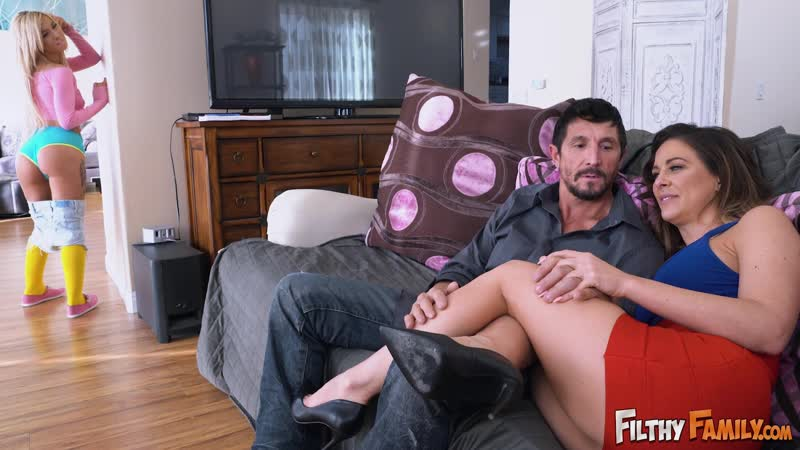 Cherie Deville and Kenzie Reeves All Sex, Porn, Teen, MILF, Family, Incest, Big Tits, Big Ass, порно,