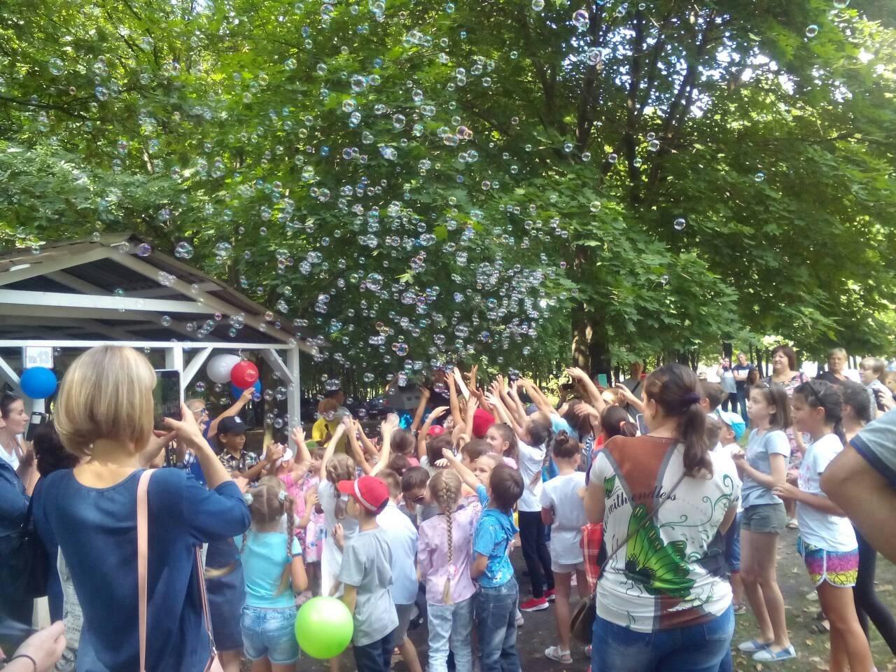 В пикник-парке «Роща» прошёл детский праздник «В гостях у лесной феи»