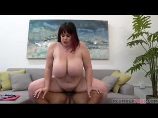 Naia Bee -  Dickin You Interview