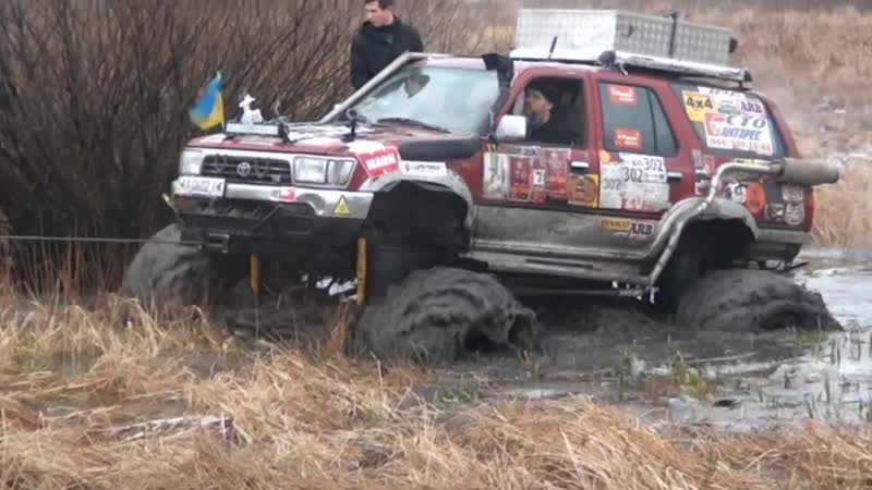 Бомба 4х4 болото со стороны и с борта машины.оффроад бездорожье арочные шины я170 мосты газ 66