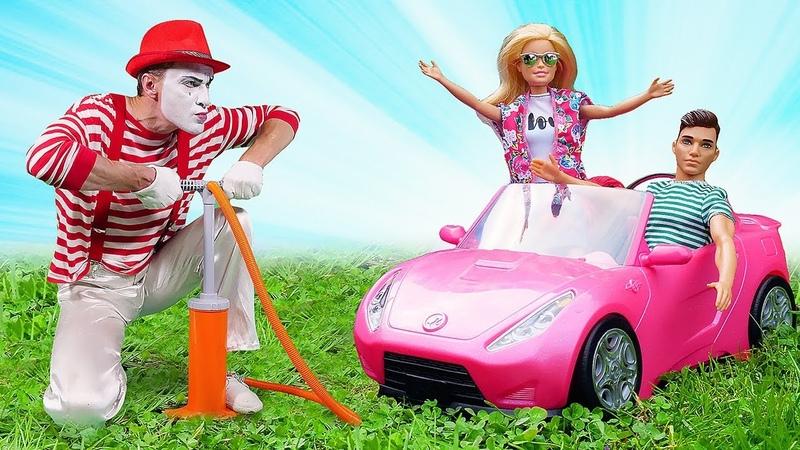 Der Clown eilt zu Hilfe Video für Kinder Spielspaß mit tollen Spielsachen