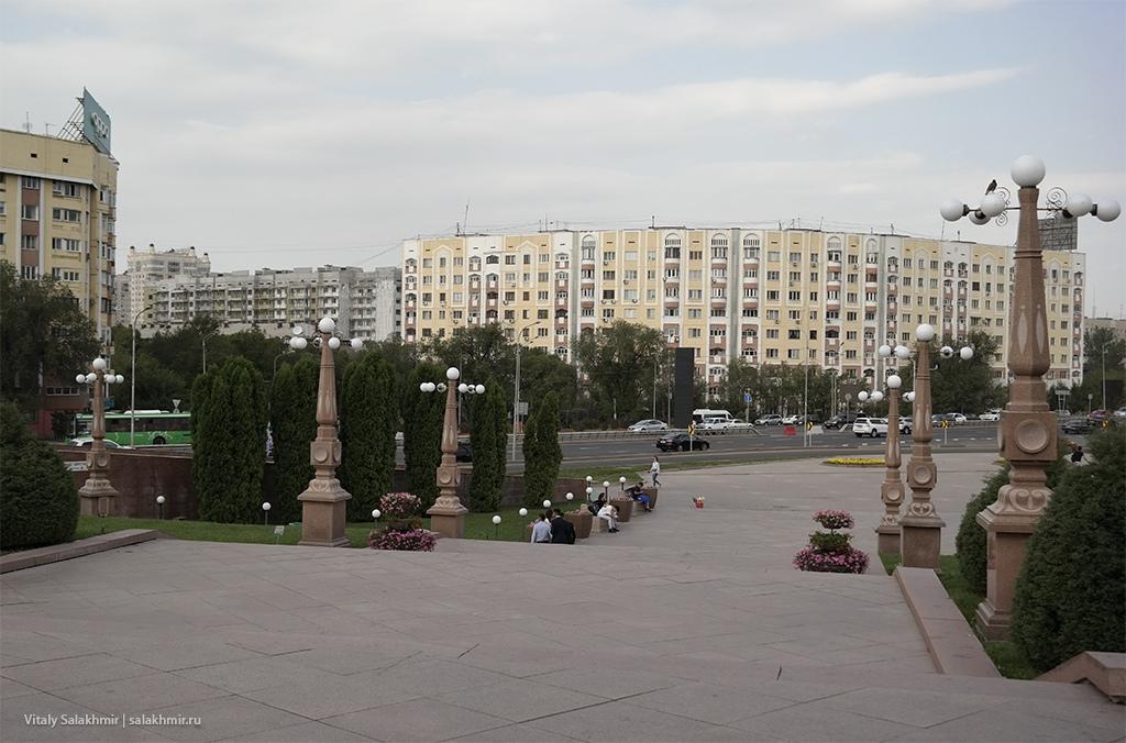 Жилые дома около Парка Первого Президента, Алматы 2019