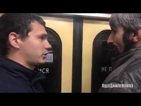 Хлопці зустріли Топаза у метро. В нього всьо добре, хворіє тільки втратив чогось геть усю память